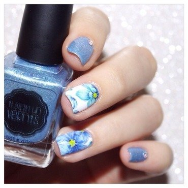 31DC2015 Flowers ! nail art by Bulleuw