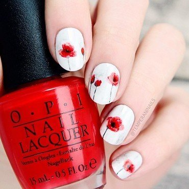 Poppy nail art by Temperani Nails