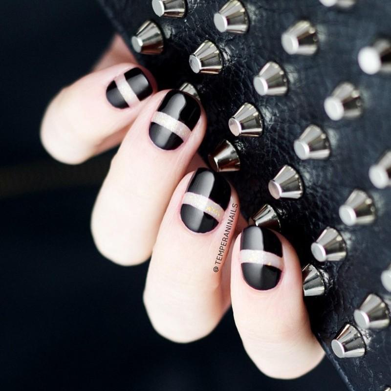 Lincoln Park nail art by Temperani Nails