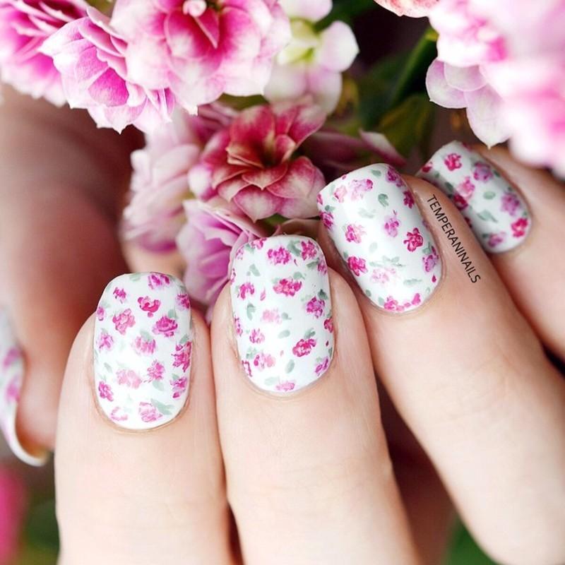 Floral nail art by Temperani Nails