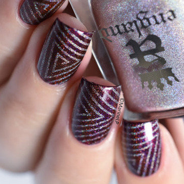 Hypnotic triangles nail art by Marine Loves Polish