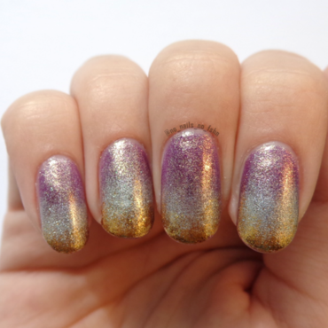 Golden Gradient nail art by No Nails No Fshn