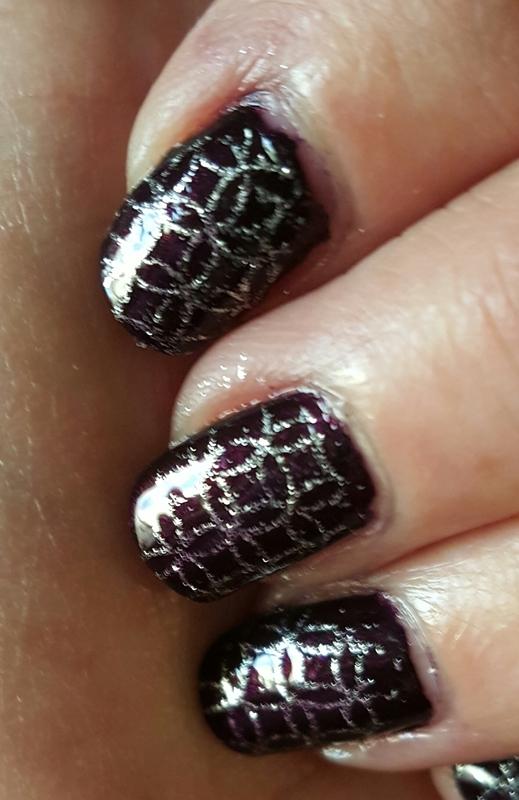 Geometric stamp  nail art by Sheplayswithpolish