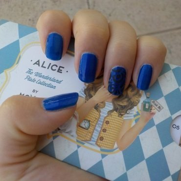 Wave After Alice nail art by Bajjjbeee