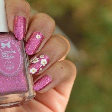 Daisy flowers nail art by MimieS Nail