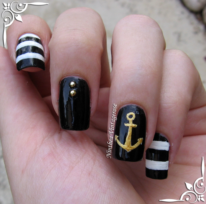 black and white nautical mani nail art by Ninthea