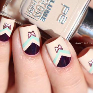 Chevrons papillons nail art by Mary Monkett