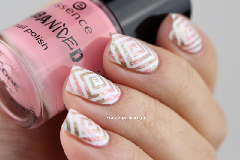 Esponge de kaki et de rose nail art by Mary Monkett
