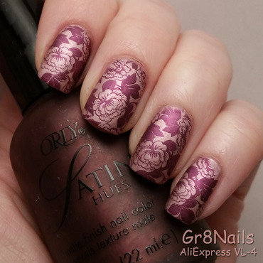Floral nail art by Gr8Nails