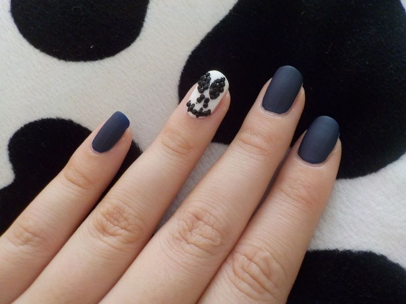 Almost Jack Skellington nail art by Bajjjbeee - Nailpolis: Museum of ...