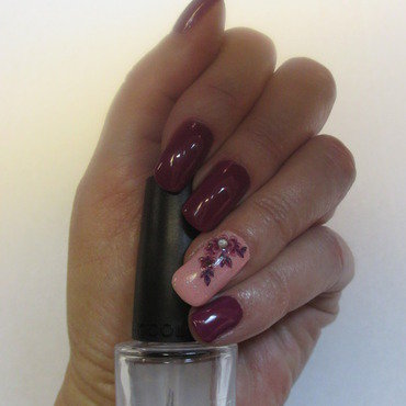 Floral GrapeVine nail art by NinaB