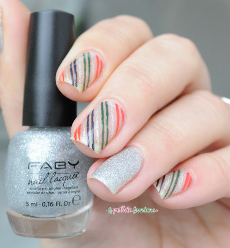 negative space stripes nail art by nathalie lapaillettefrondeuse