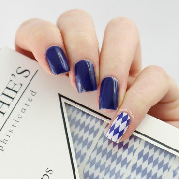 Essie Style Cartel and Miss Sophie's Wiesn Beauty Swatch by Ann-Kristin