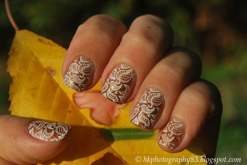 Fall mani nail art by Hana K.