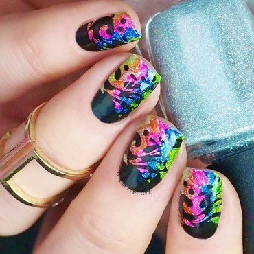 Fun Splash Design nail art by Lou