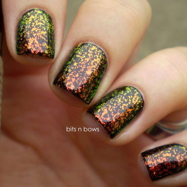 Essence black is black and Essence special efect topper night in vegas Swatch by Kristina