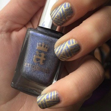 A England Gold Stamping  nail art by Amandineprc