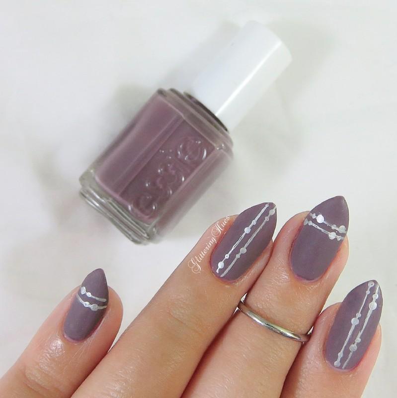Minimalism nail art by Glittering Hues