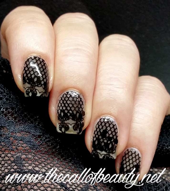 Vampy Nails nail art by The Call of Beauty