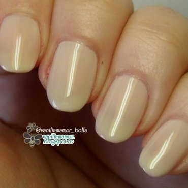 Avon Creme Brulee and Avon Gel Finish creme brule Swatch by Isabella