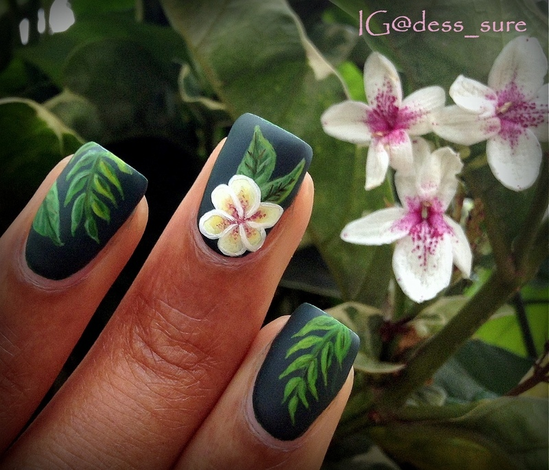 A flower nail art by Dess_sure