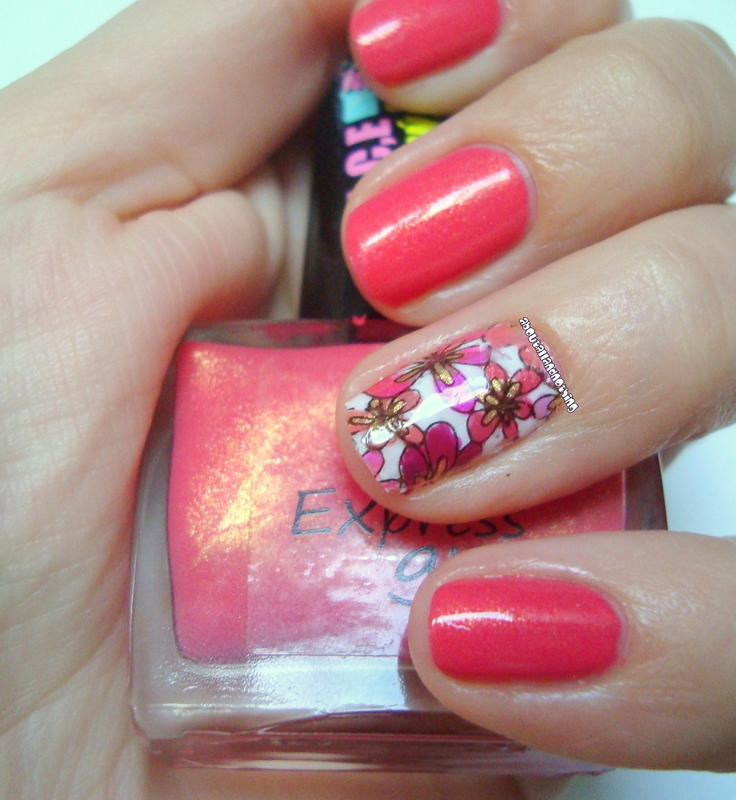 Pink meadow nail art by Kasia