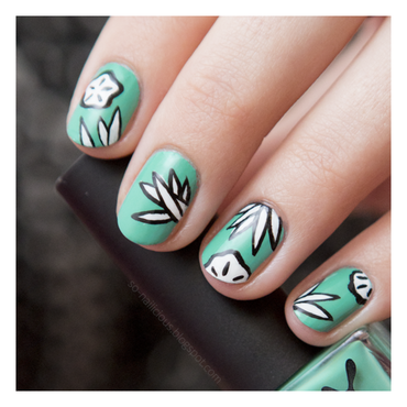 Turquoise floral nail art by Magdalena