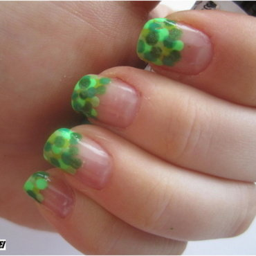04 GREEN nails nail art by NailsandEl