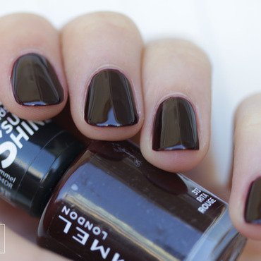 Rimmel London rita rouge Swatch by NerdyFleurty