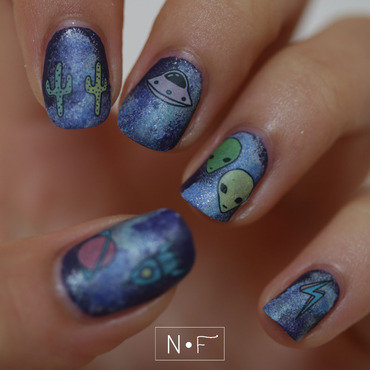 An amazing out of the world mani nail art by Nerdy Fleurty