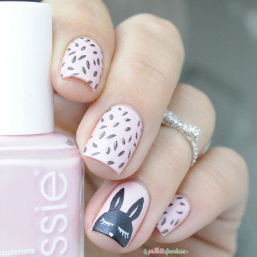 Essie 20just 20stitched 20cutie 20rabbit 20nail 20art 20paillette 205 thumb370f