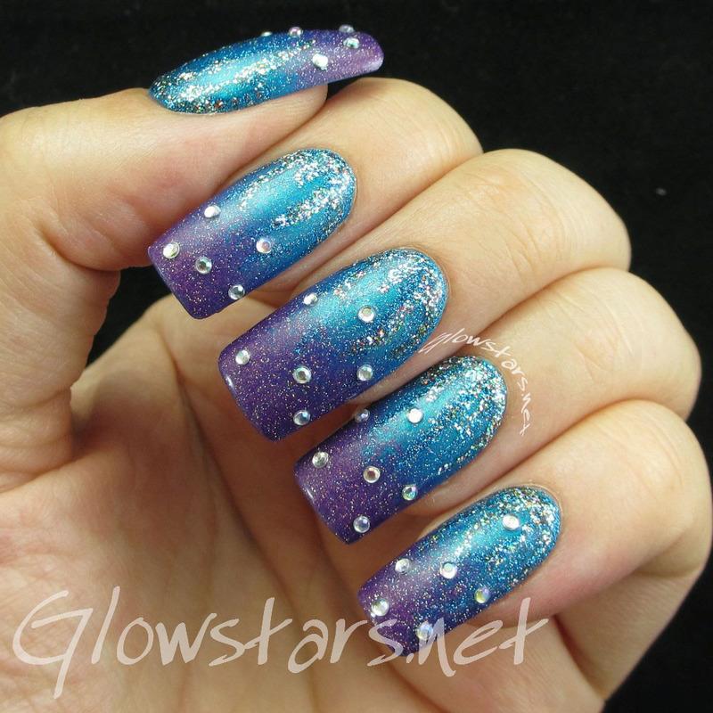 Glitter bomb gradient nail art by Vic 'Glowstars' Pires
