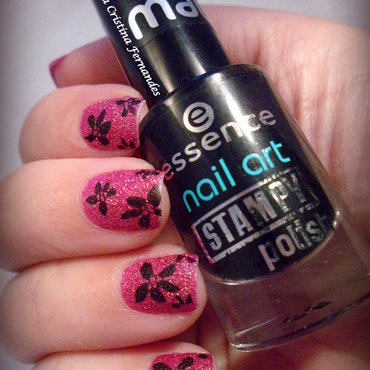 On fire! com Flores nail art by Dora Cristina Fernandes