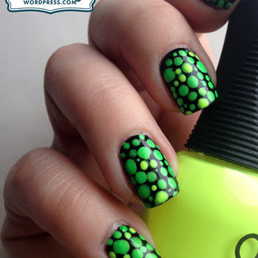 Toxic Nails nail art by Katie