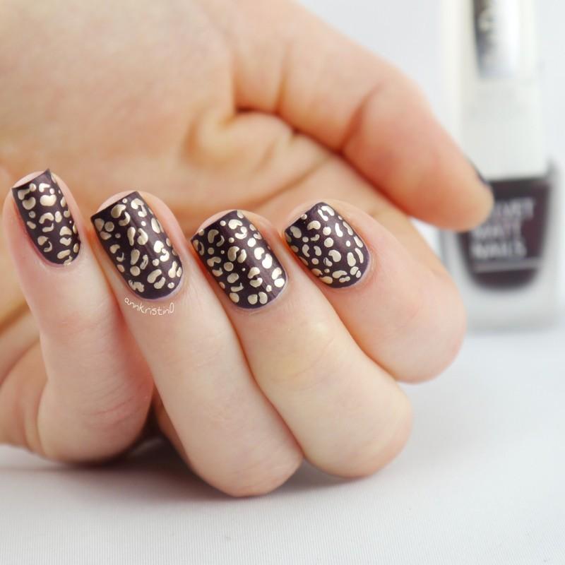 Matte Animal Print #2 nail art by Ann-Kristin