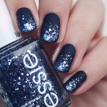 Blue Glitter Gradient nail art by katharinapeskelidou