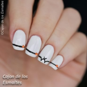 Halloween bat nail art by Cajon de los esmaltes