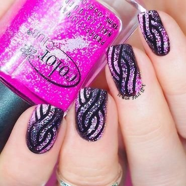Braid/Knitted Nail Design nail art by Lou