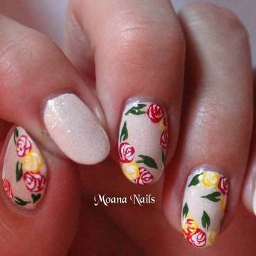 Nail art en fleurs nail art by MoanaNails