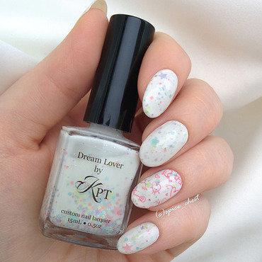 Dream Lover nail art by Svetlana