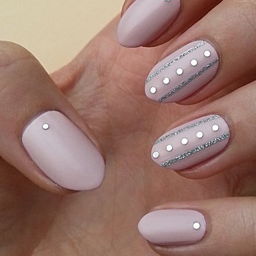 Delicate nail art by Mgielka M