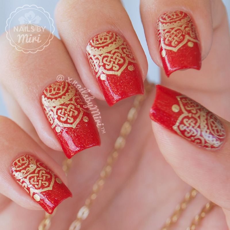 Golden Stamp Design nail art by xNailsByMiri