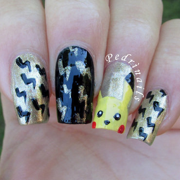 Black & gold lightnings pattern with Pikachu accent nail art by Pedrinails