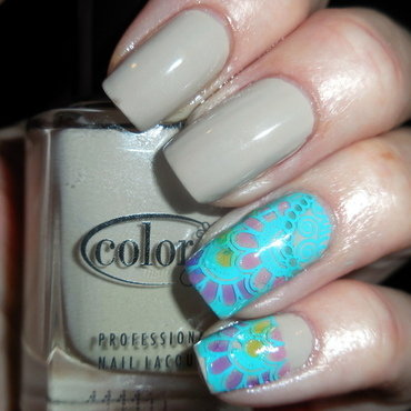 Beige & Aqua nail art by Donner