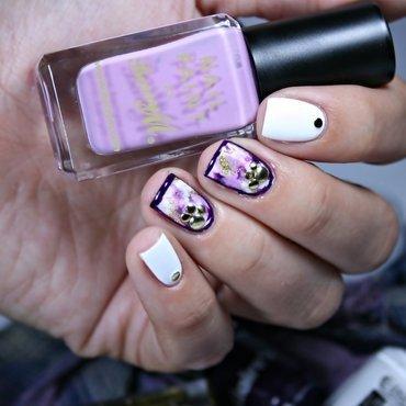 Violet Dream nail art by Romana