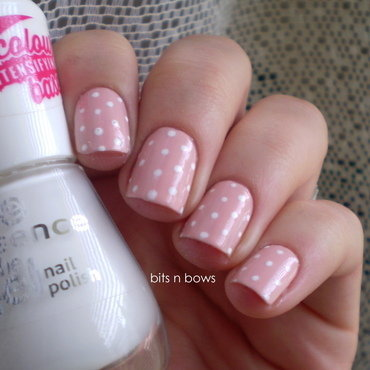 Lemax 2c 20essence 20wild 20white 20ways 20polka 20dots 20manicure 203 thumb370f