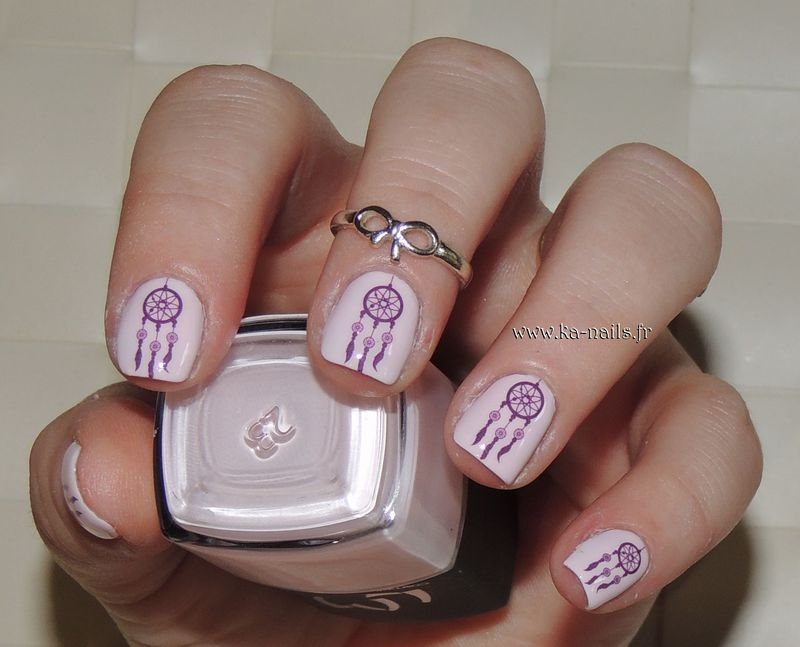 Dreamcatcheur in Pink and Purple nail art by Ka'Nails