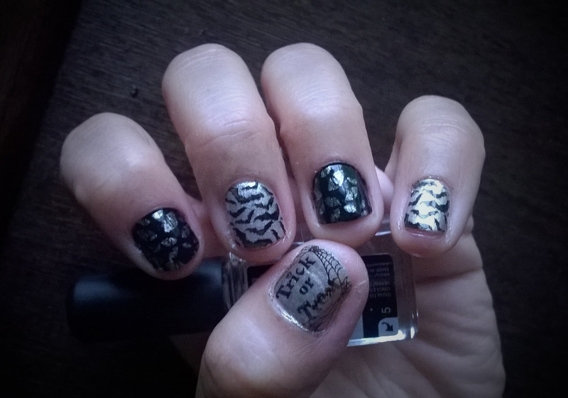 Boo! nail art by Avesur Europa