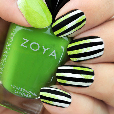 Easy BeetleJuice Halloween Nails nail art by Jessi Ossa