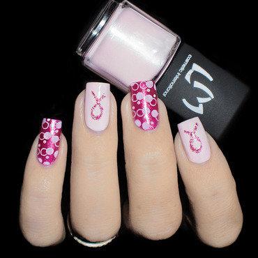 Nail Art Octobre Rose nail art by Lizana Nails